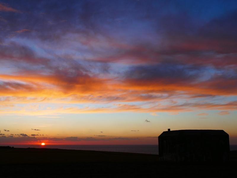 coucher de soleil sur le mur de l'atlantique P1050112
