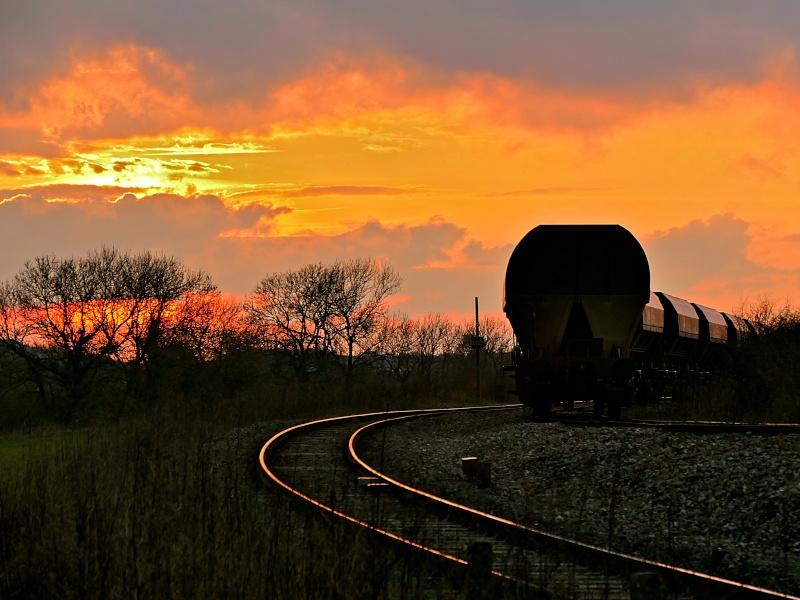 Reflet sur les rails P1050219