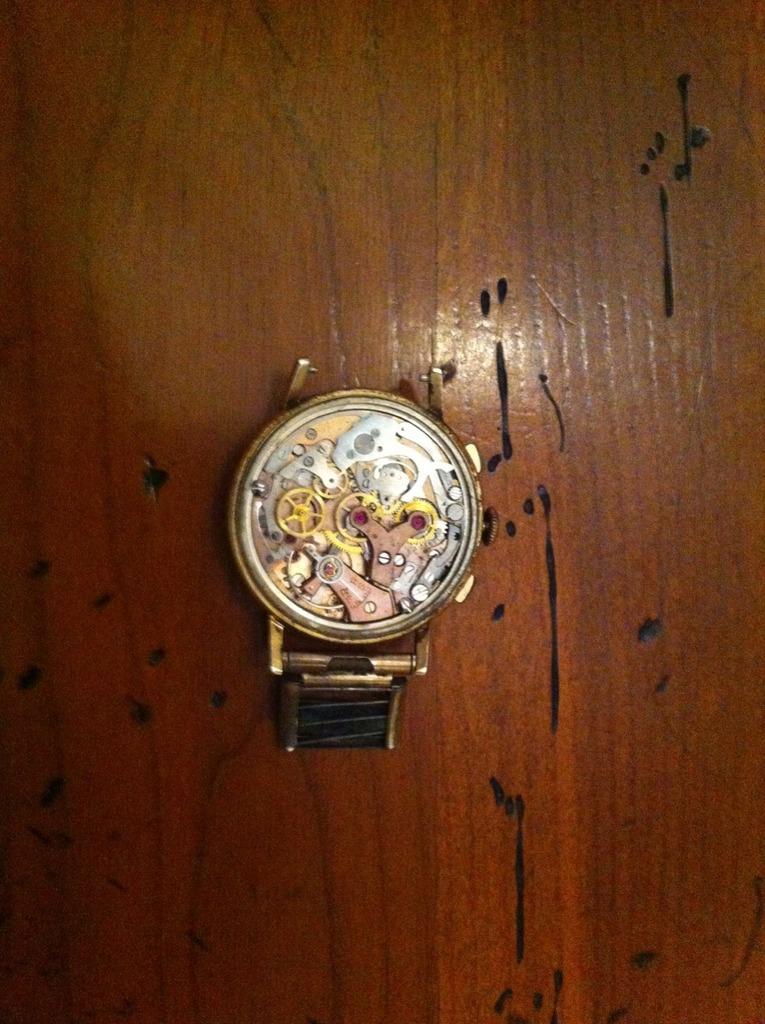 Breitling - [Postez ICI les demandes d'IDENTIFICATION et RENSEIGNEMENTS de vos montres] - Page 39 Image13