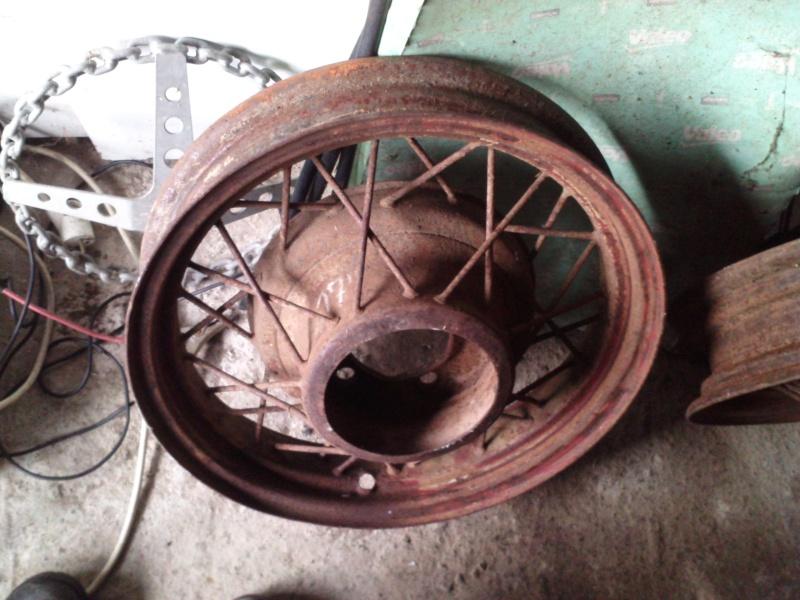 enjoliveur roue a rayons P0909111