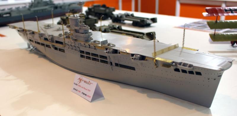 Nouveautés: HMS Ark Royal 1/350 Merit 6172_610