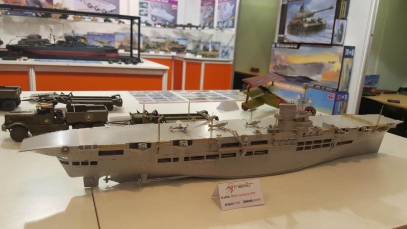 Nouveautés: HMS Ark Royal 1/350 Merit Uwjmj510