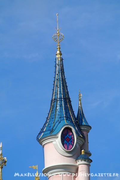 Les structures de Noël sur le Château de la Belle au Bois Dormant 6366910