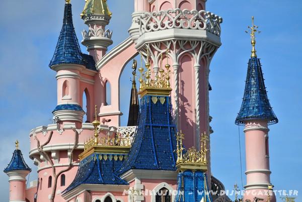 Les structures de Noël sur le Château de la Belle au Bois Dormant 6367010