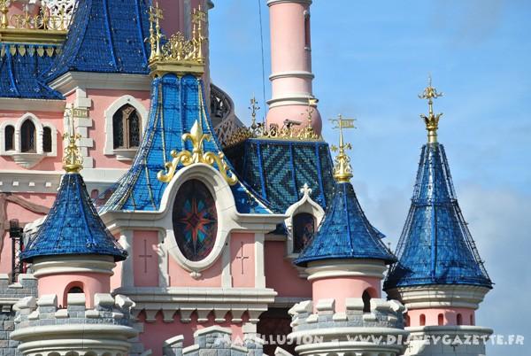 Les structures de Noël sur le Château de la Belle au Bois Dormant 6367110