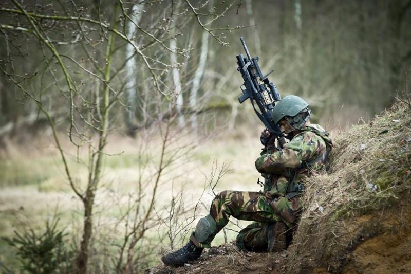 Armée Hollandaise/Armed forces of the Netherlands/Nederlandse krijgsmacht - Page 18 1123