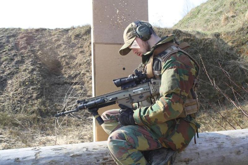 Armée Belge / Defensie van België / Belgian Army  - Page 2 1432