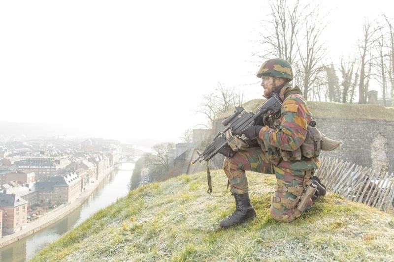 Armée Belge / Defensie van België / Belgian Army  - Page 2 2224