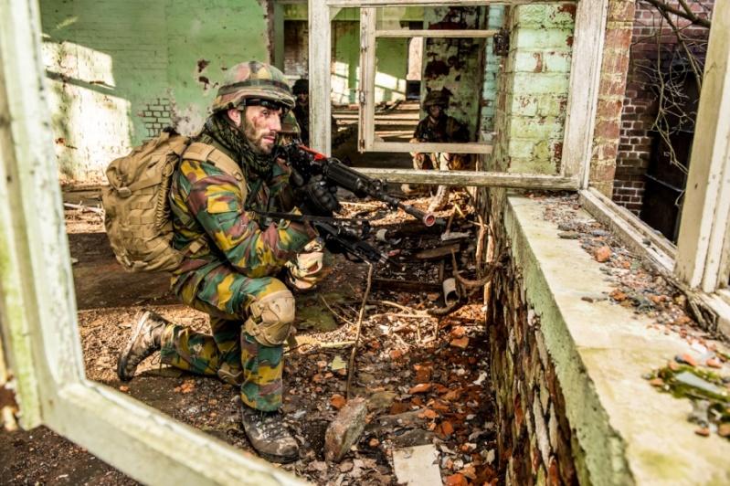 Armée Belge / Defensie van België / Belgian Army  - Page 2 2418