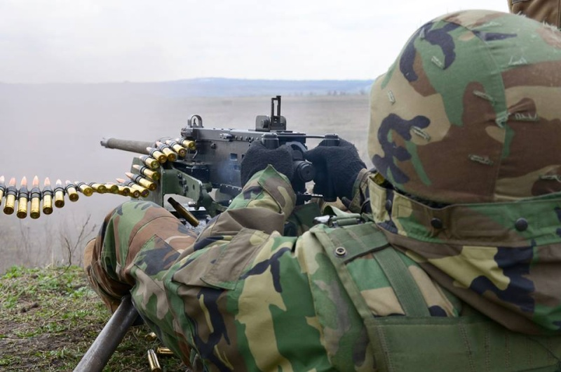 Forces armées moldaves - Page 2 2712
