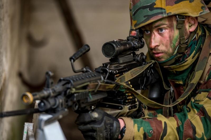 Armée Belge / Defensie van België / Belgian Army  - Page 2 2714