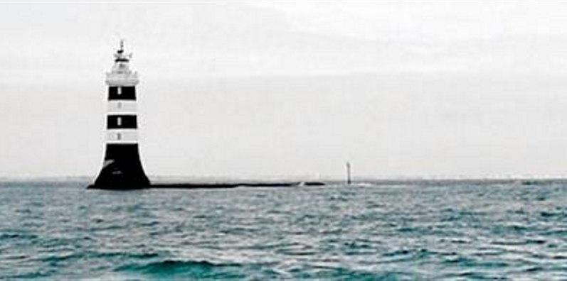 les phares en mer et à terre (1) - Page 62 La_bau10