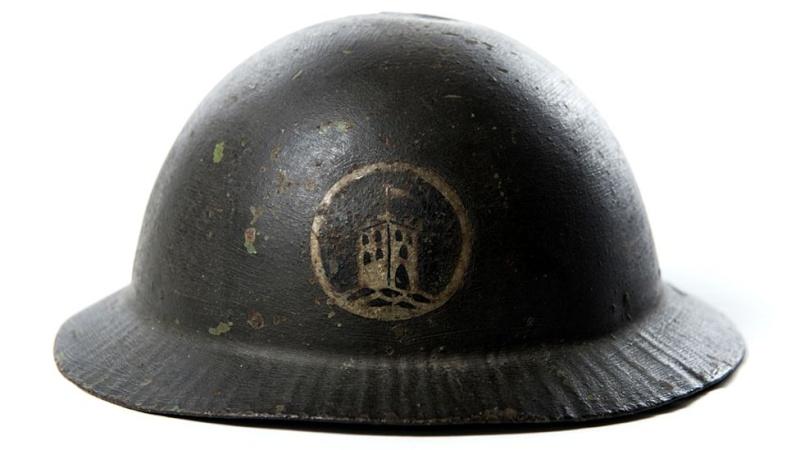 WW1 helmet _8877510