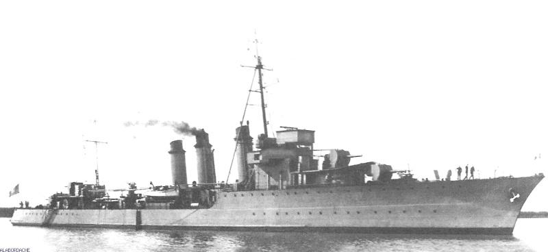 Les torpilleurs français Trombe12