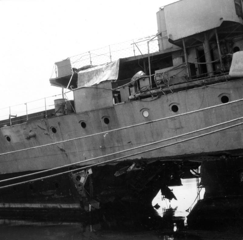 Les torpilleurs français Trombe16