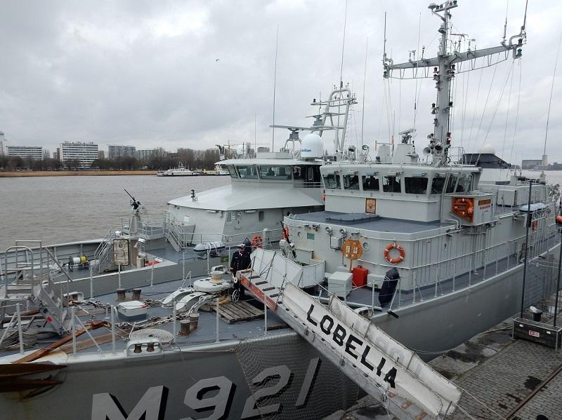 le P901, le M921 et le F930 sront à Anvers le 20.02.2016 Marine13