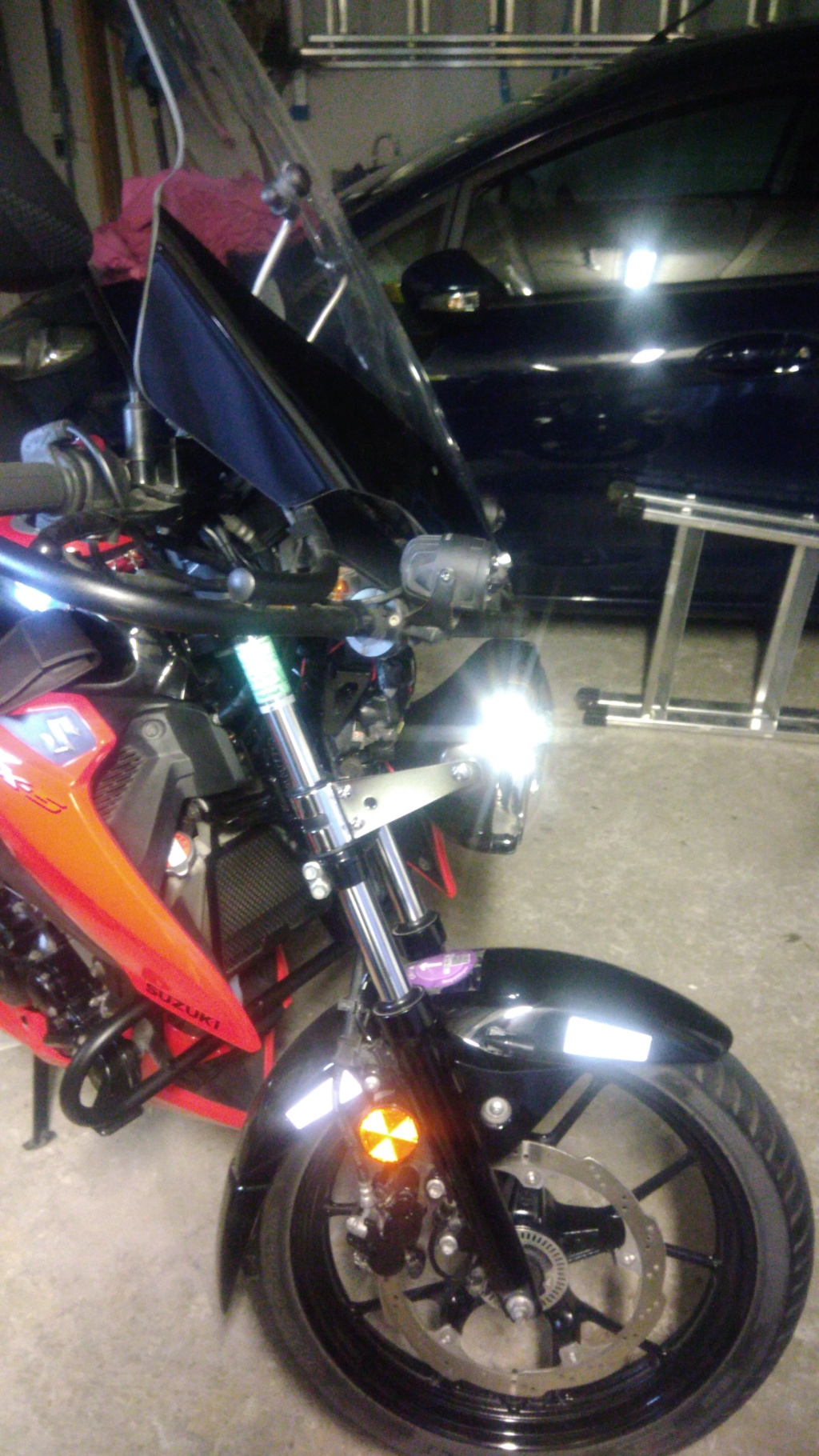Branchement phare GSX S 125  - Page 2 P_202015