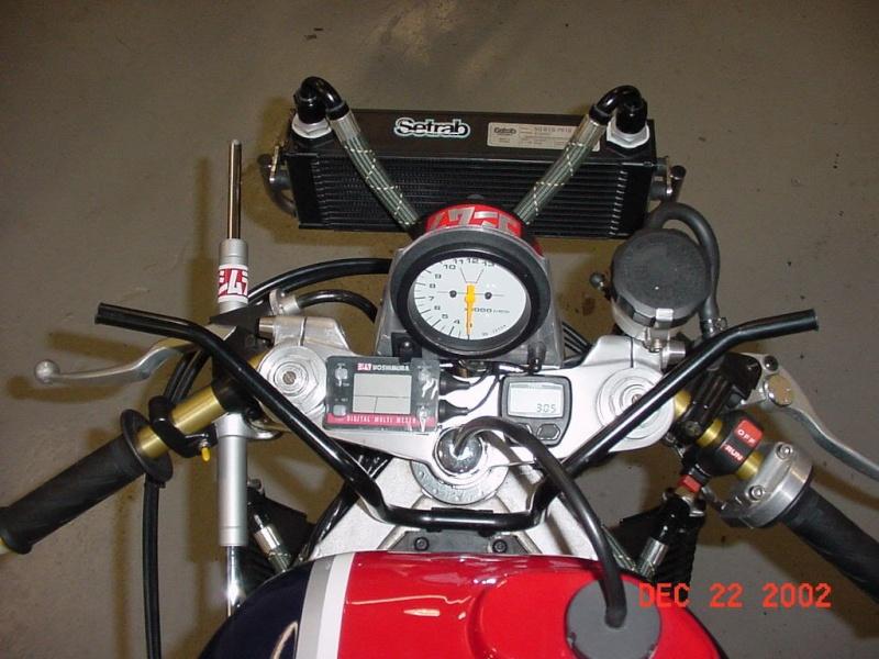 Suzuki GSX-R Slabside 750 (85-87) et 1100 (86-88) - Page 37 Tornad18