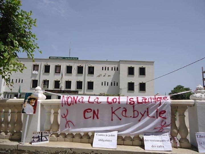 Non à la loi islamique en kabylie!  120