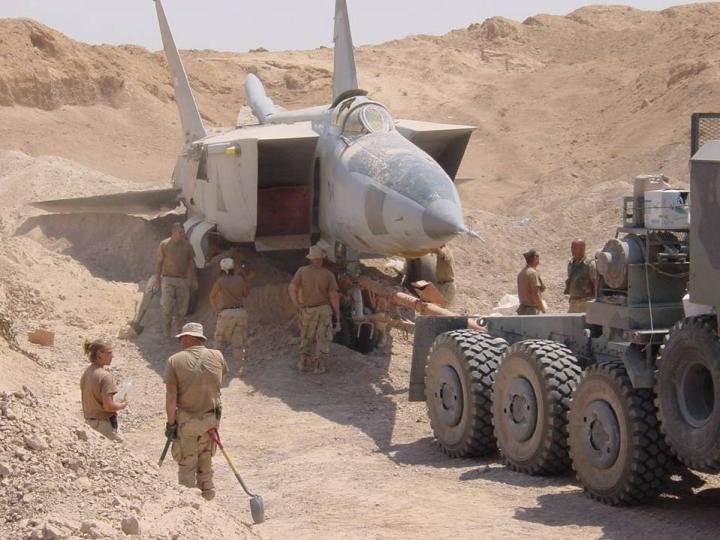 iraq - 1/48 Mig-25PDS Iraq Iraf_m12