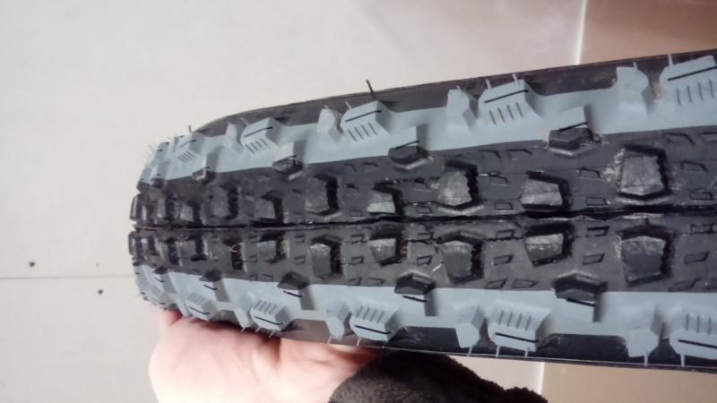 Vends pneus rubena kratos 29x2,25 tubeless ready Dsc_0011