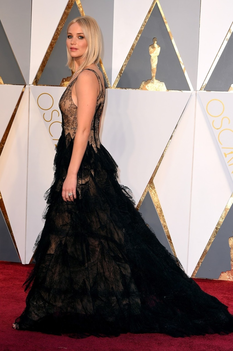 ■ Katniss Everdeen • Jennifer Lawrence ■ - Page 8 040-5810