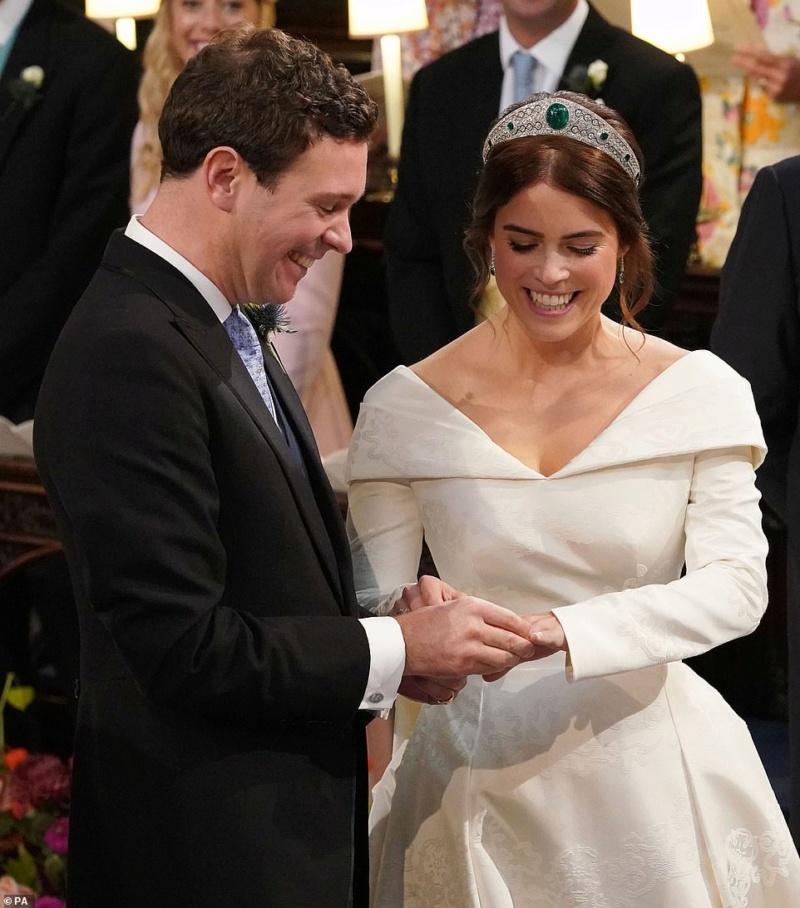MARIAGE EUGENIE  AVEC JACK BROOKSBANK 12.10.2018 49862510