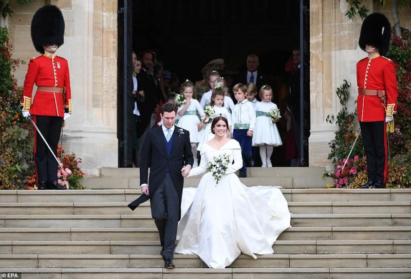 MARIAGE EUGENIE  AVEC JACK BROOKSBANK 12.10.2018 49879811