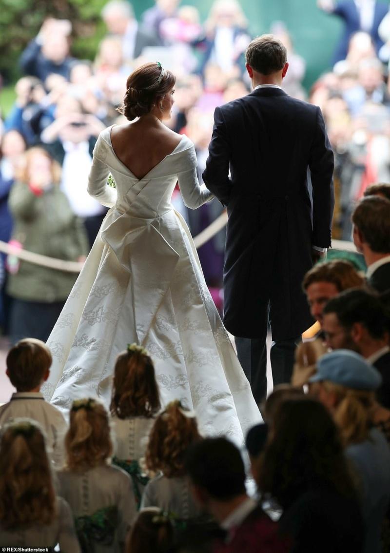 MARIAGE EUGENIE  AVEC JACK BROOKSBANK 12.10.2018 49910410