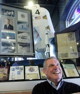 Interview de Tom Scott, frère de l'astronaute David Scott dans le Ledger-Enquirer Tom20s10