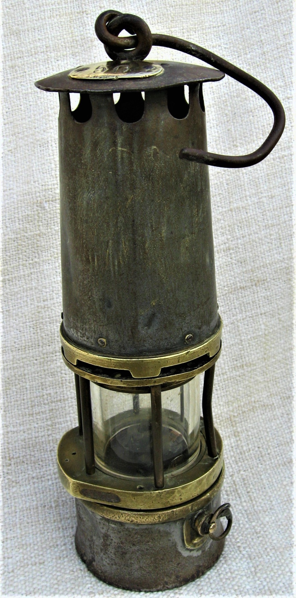 lampes de mineurs,  divers objets de mine, outils de mineur et documents  - Page 10 Img_3021