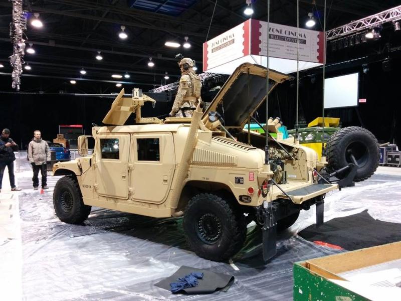 Humvee au Salon de l'Auto de Québec 1 mars - 6 mars 2016 Centre de Foires de Québec 250 boulevard Wilfrid-Hamel Québec 10371910