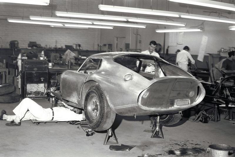 COBRA  DAYTONA 1964-1965 Cobra_11