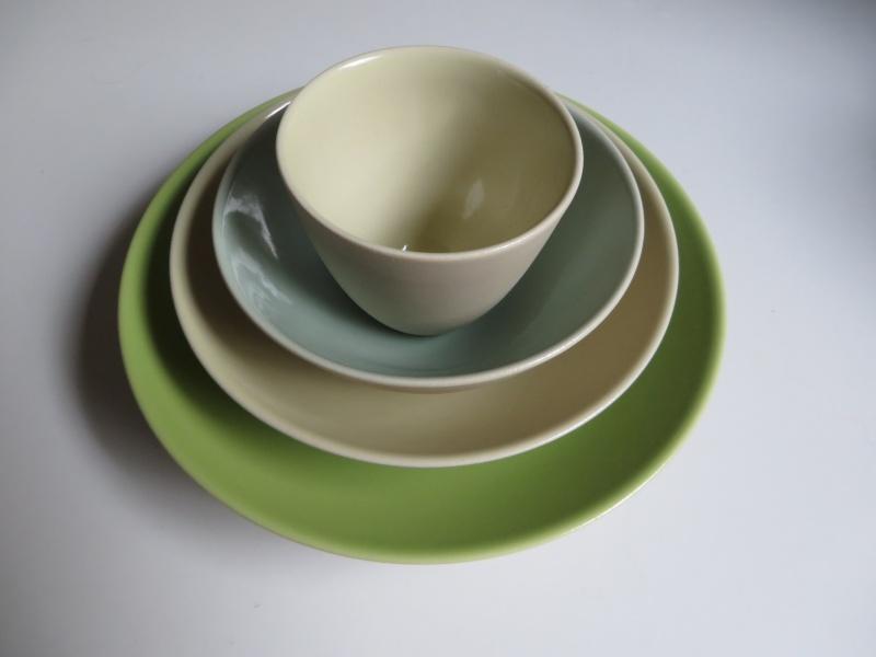 Nesting porcelain bowls glazed interior. Vincent de Rijk? Linda Bloomfield? Img_4319