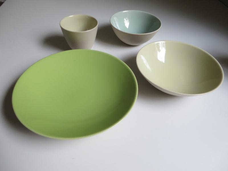 Nesting porcelain bowls glazed interior. Vincent de Rijk? Linda Bloomfield? Img_4321