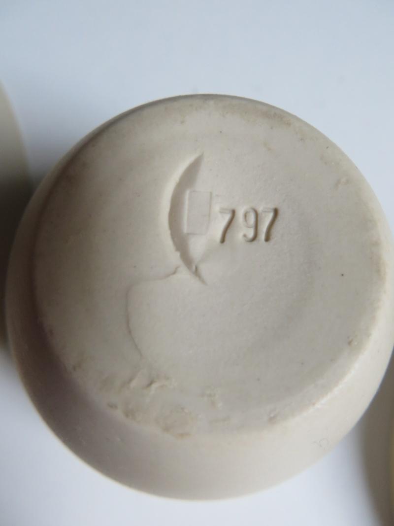 Nesting porcelain bowls glazed interior. Vincent de Rijk? Linda Bloomfield? Img_4322