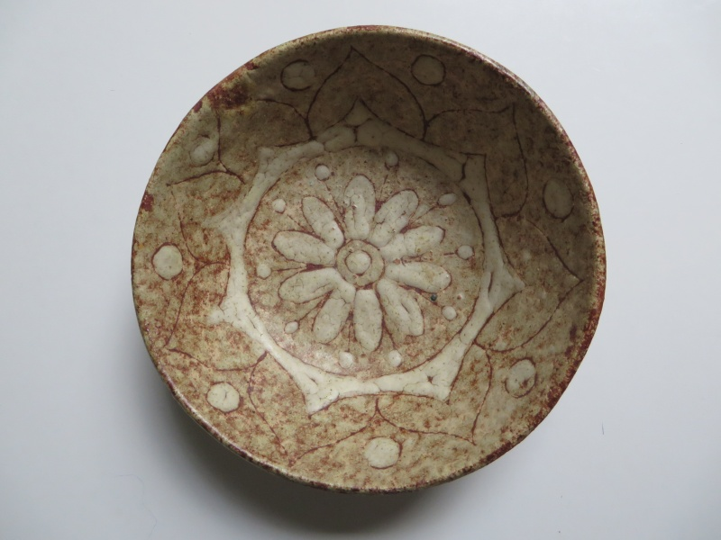 Italian small pottery bowl inscribed fatto a mano and clearly signed Img_4714