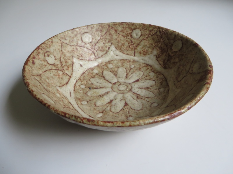 Italian small pottery bowl inscribed fatto a mano and clearly signed Img_4716