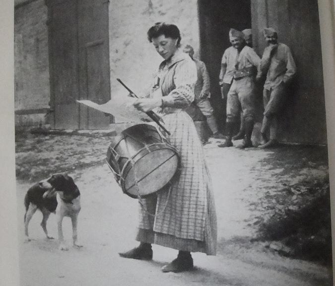 [ Histoires et histoire ] LE CENTENAIRE DE LA GRANDE GUERRE - Page 5 Dsc04421