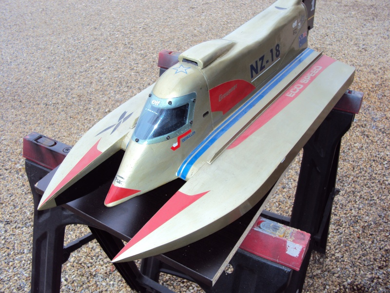 Hors Bord Catamaran Formula One F1 NZ-18 Eco Speed - Graupner  Dsc02613