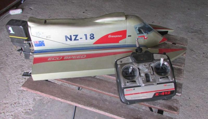 Hors Bord Catamaran Formula One F1 NZ-18 Eco Speed - Graupner  Graupn10