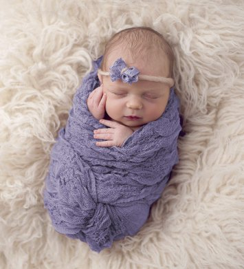 Inexpensive photo prop for newborn poses Wrappe10