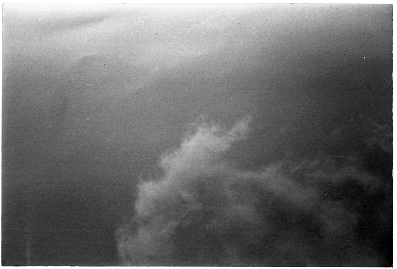 2002: le 01/08 à 20 h 30 Ovni rectangulaire volant entre Sisteron et Le Poet (04) - Page 2 Sister10