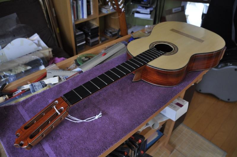 Construire sa guitare ... et plus si affinités avec le travail du bois - Page 4 2411