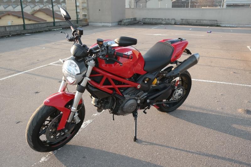 [VDS] Ducati Monster 796 ABS bien équipée Sam_1412