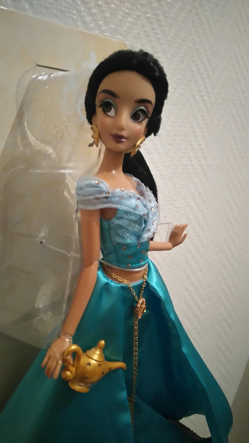 Nos poupées Designer en photo - poupée de la semaine - Page 21 Dsc_0022