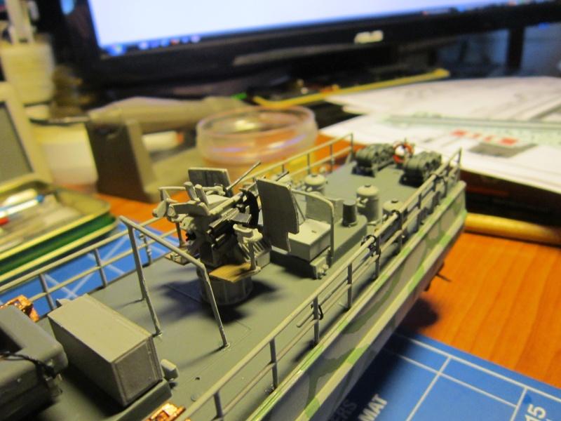 Schnellboote S-100 de Revell au 1/72 par pascal 72 - Page 3 Img_5430