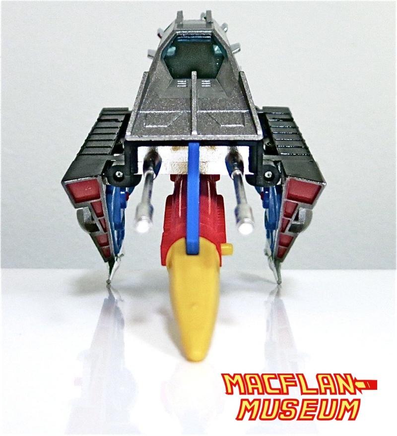 SAN KU KAI, c'est la bataille... Message from space - POPY - Page 3 Jet_re10