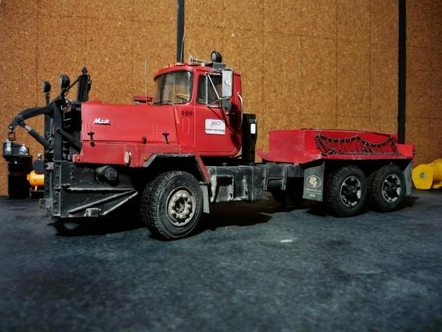 Mack RM 6X6 avec équipement a neige. - Page 6 P1140412