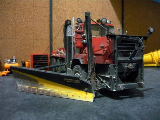 Mack RM 6X6 avec équipement a neige. - Page 6 P1140421